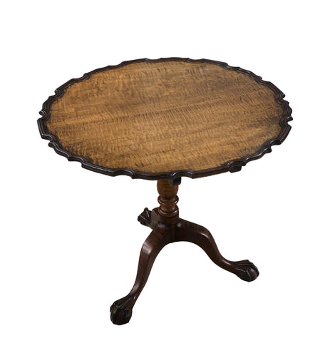 18th Century American Tiger Maple Tilt Top Piecrust Table