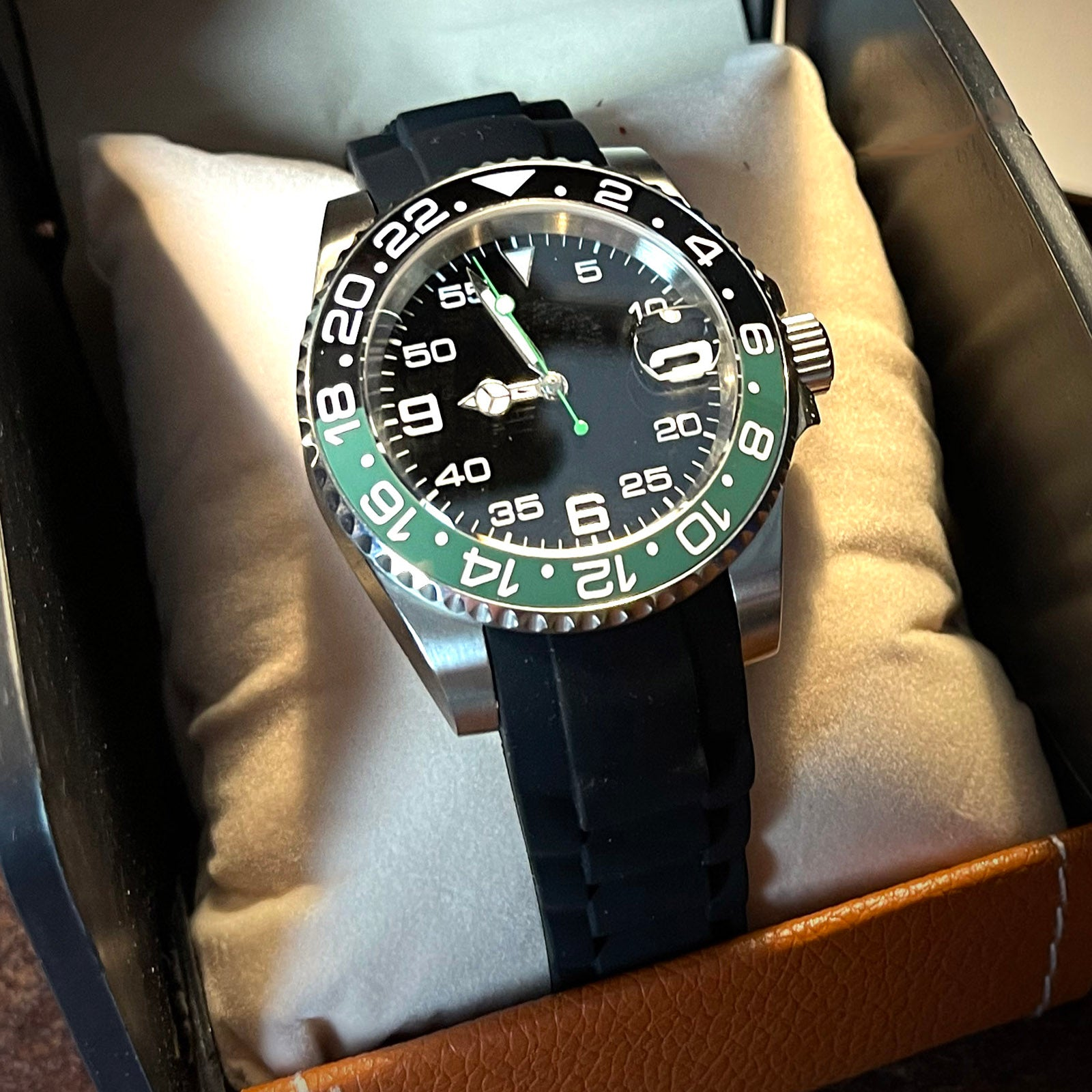 diver automatic watch