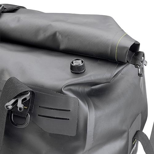 GRT712B 40LTR WATERPROOF CARGO BAG