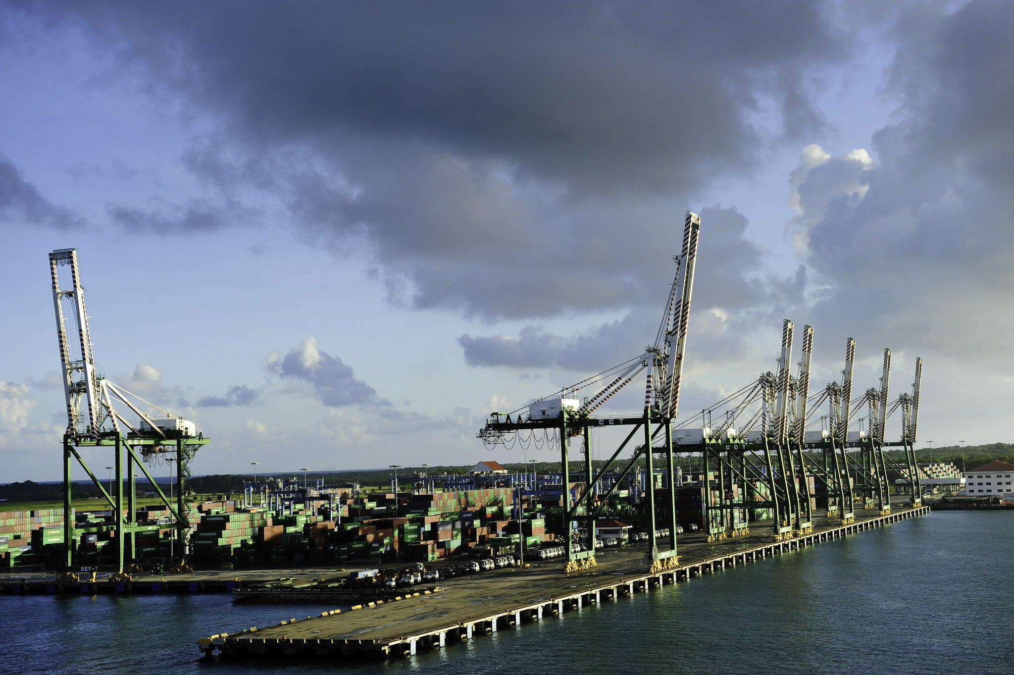 Panama Canal Port Authority Relies on StrikeHold®.