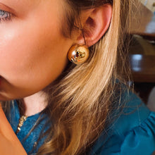 Load image into Gallery viewer, Hallow Button Earrings in 14k