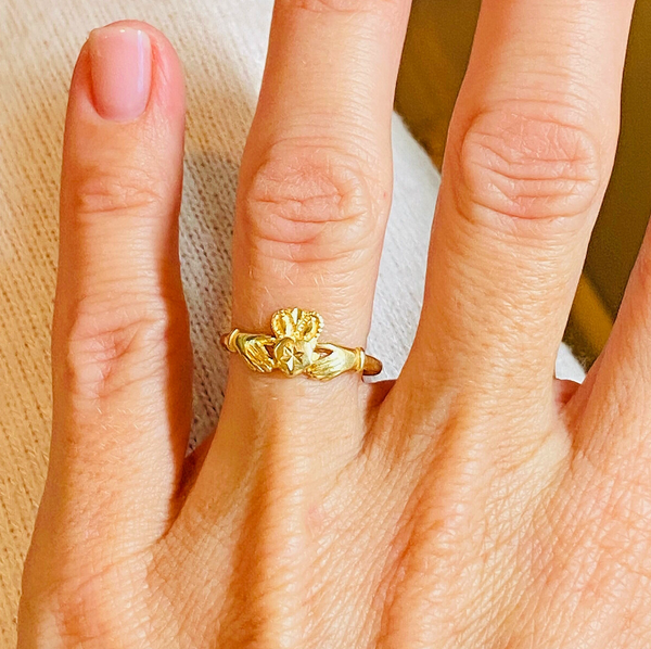 Claddagh Ring in 14k