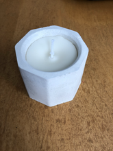 Upload the image to the gallery, Jade candle