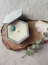 Upload the image to the gallery, December candle