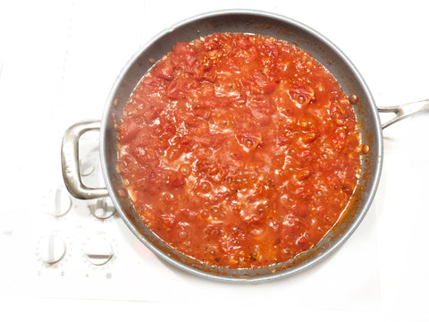 simmering marinara in 12.5 inch coated induction 21 steel fry pan