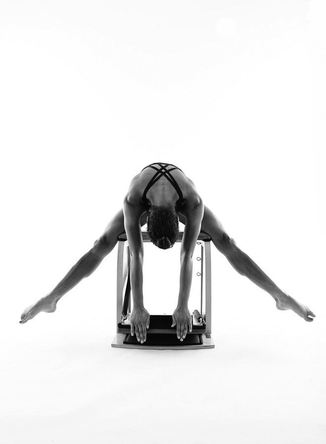 Gratz Gallery | Amanda Diatta performing the Horseback on the Wunda Chair