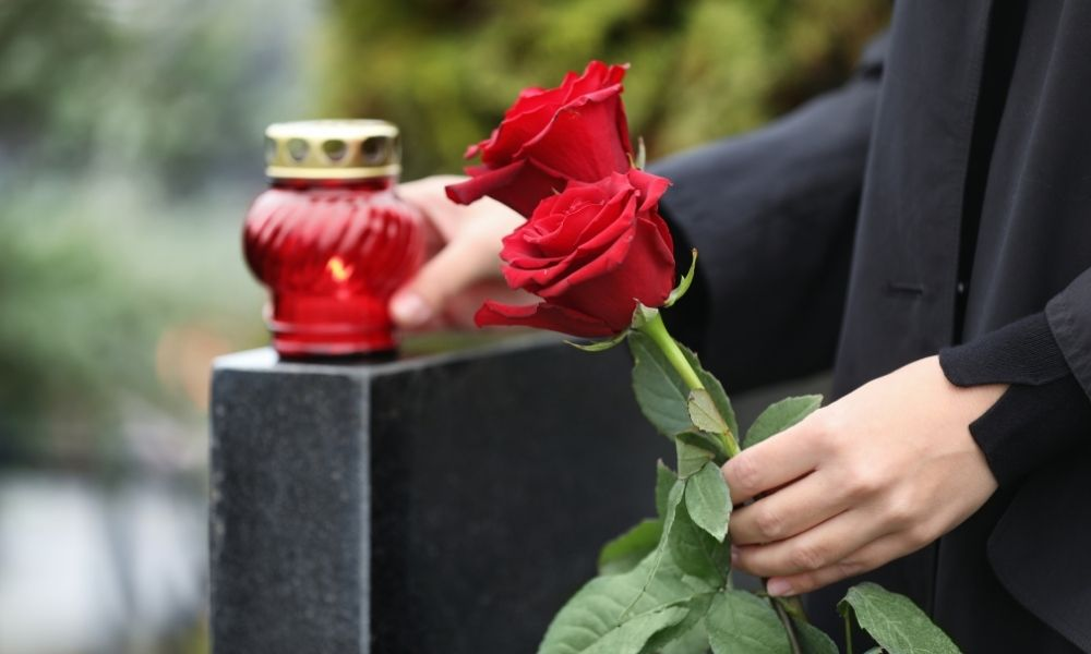 5 Unique Ways To Personalize a Headstone