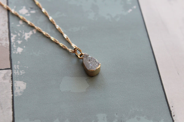 Druzy Tear drop Necklace