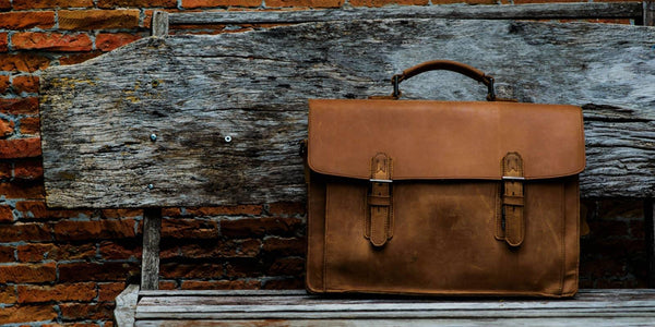 Messenger Bags Vs Briefcases- What Is The Difference?