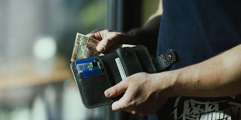 How To Clean A Wallet