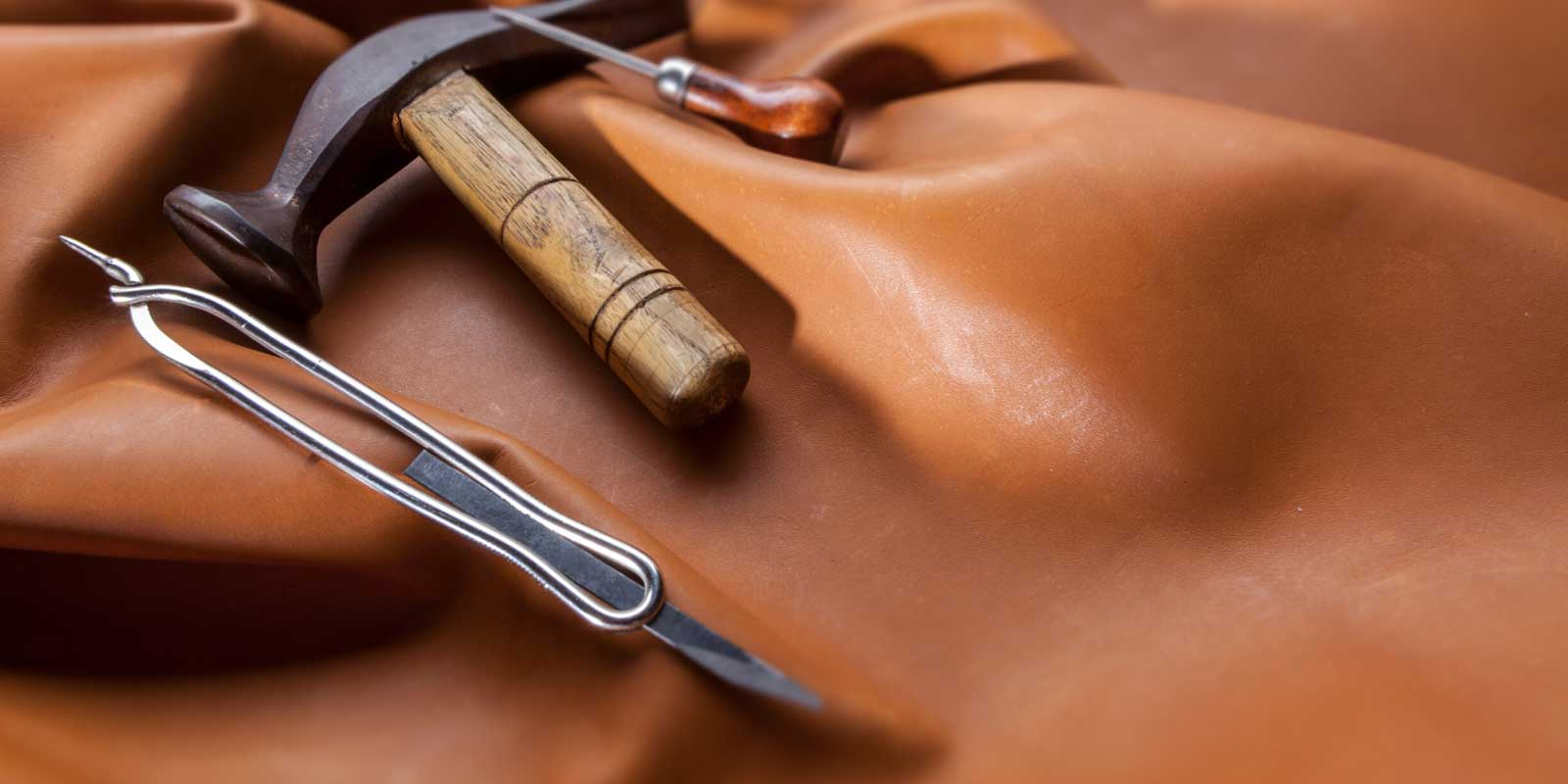 The Material of Satchel and Messenger Bag
