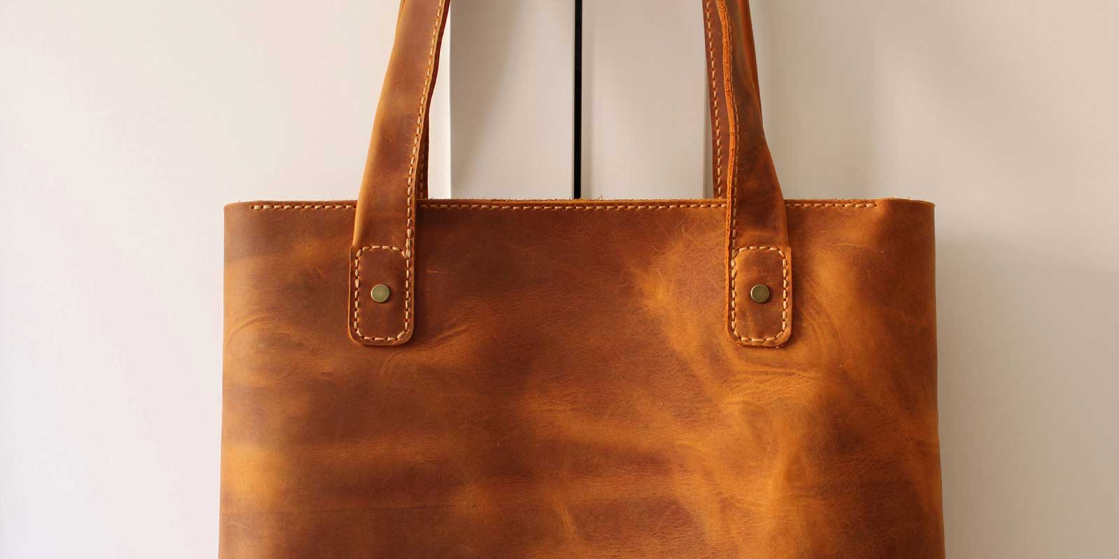 What Is The Difference Between A Tote And A Shoulder Bag?
