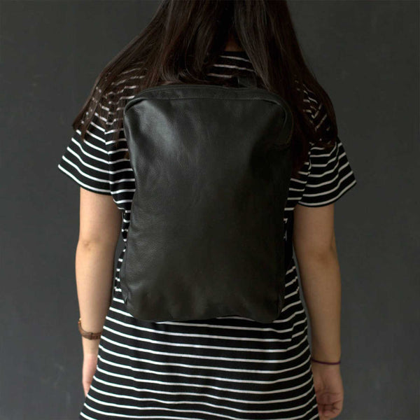 Khaplu Black Travel Leather Rucksack