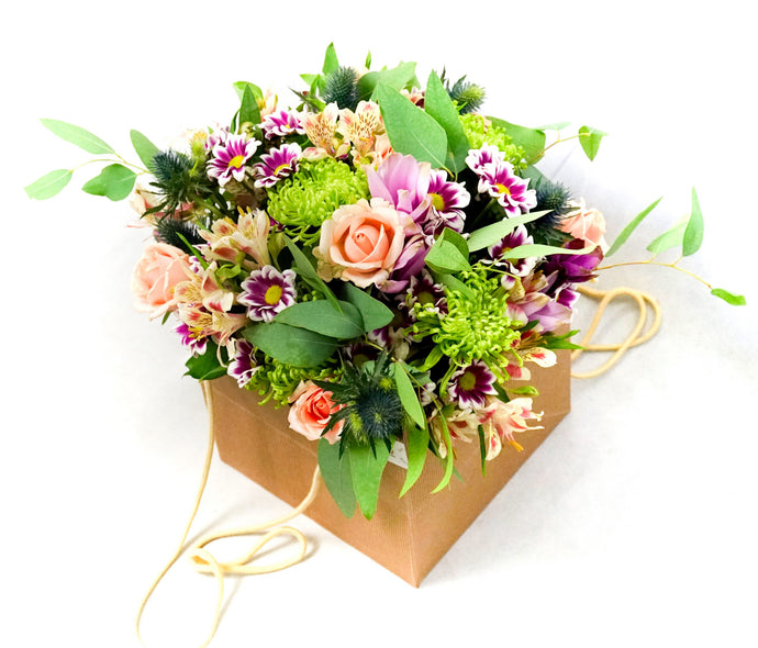 Bouquet in Shopping Bag - Vanda Kraft - Flowers Palermo