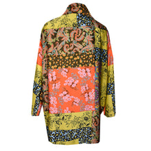 Load image into Gallery viewer, Multicolor print Polyester Silk Short Kimono Jacket