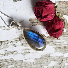 "Load image into Gallery viewer, ""It's a Felds-party!"": Blue Labradorite Necklace (I)"