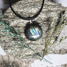"Load image into Gallery viewer, ""Lucky Charm"": Labradorite Necklace with Clover Design (C)"