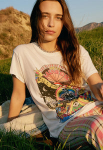DAYDREAMER Rainbow Dreamland Tour Tee