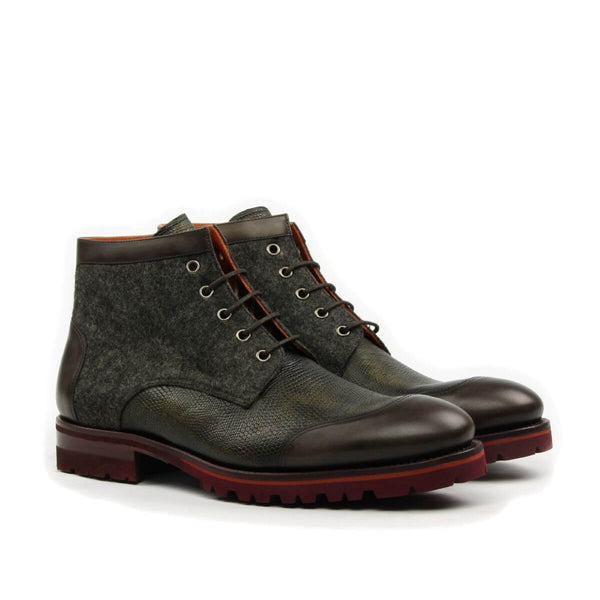 CAP TOE CHUKKA BOOT