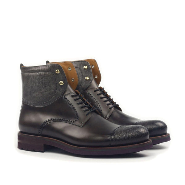 ENGRAVED CAP TOE CHUKKA BOOT