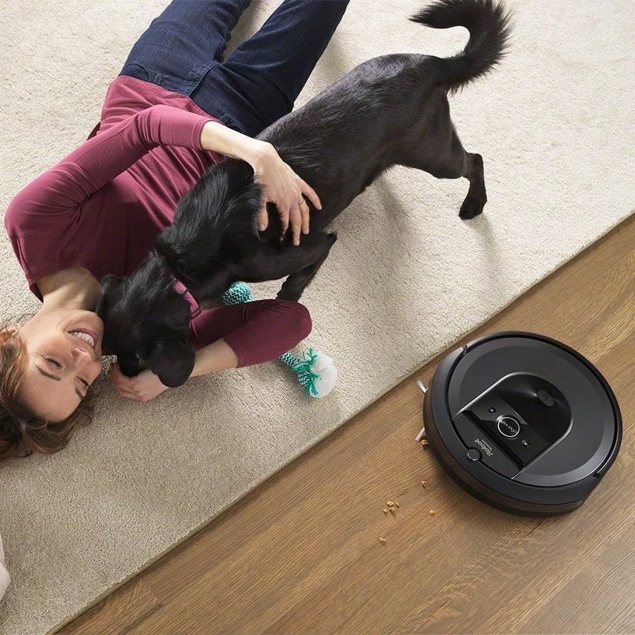 iRobot Roomba i7+ Wi-Fi Connected Self-Emptying Robot Vacuum -Ideal for homes with pets