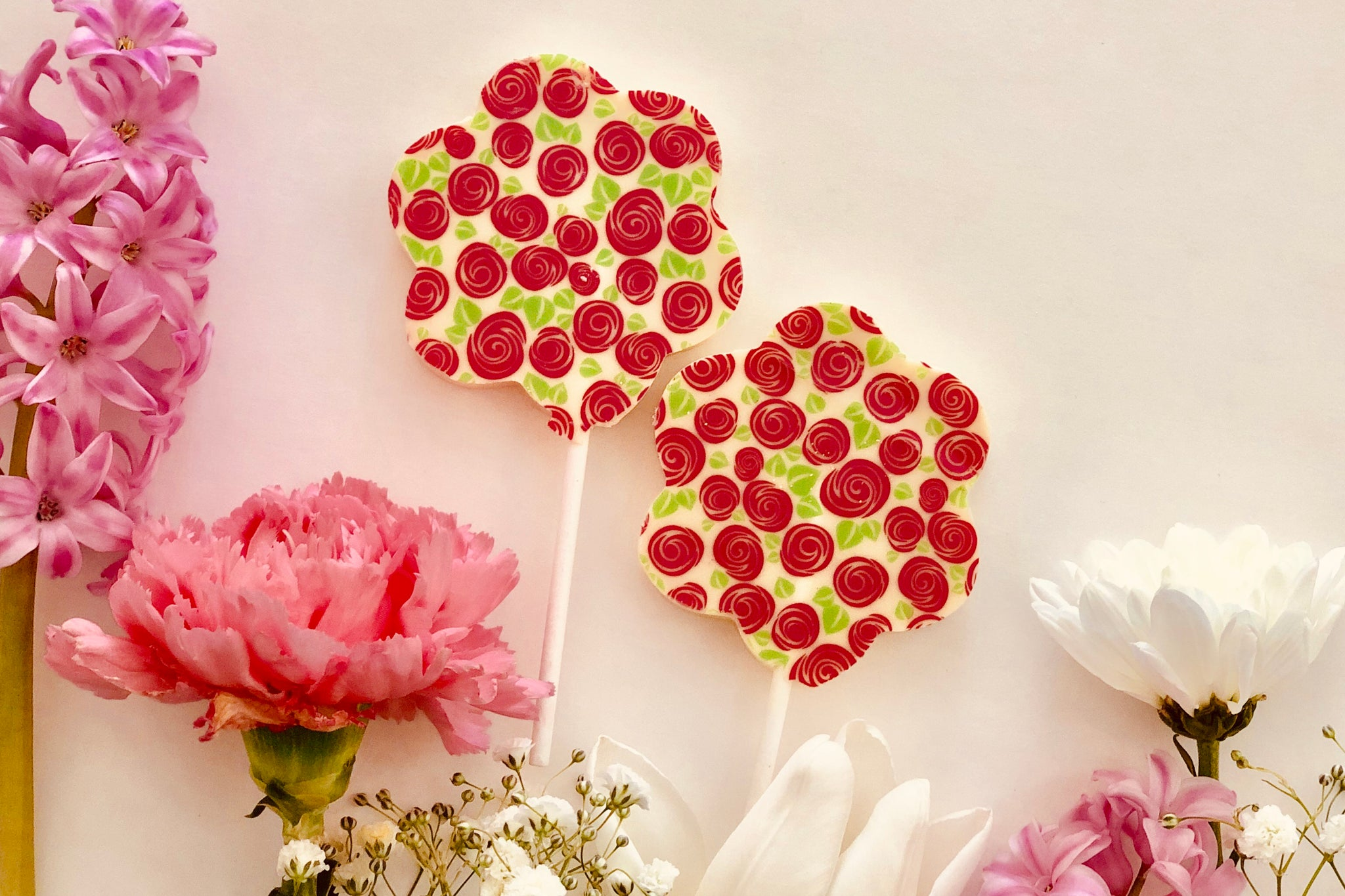 White Chocolate Flower Lollipop
