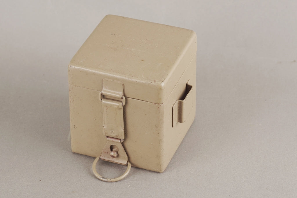 Tan optical sight metal battery box. MINT condition!