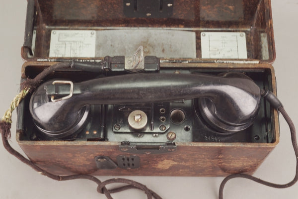 F33 Field Telephone.