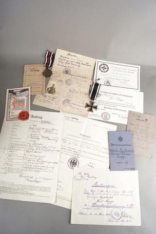 Large WW1 group, Medals & Documents. WW1 German