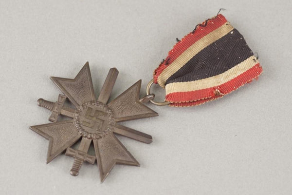 MAKER 110. Kriegsverdienstkreuz 2. Klasse w. swords. WW2 German