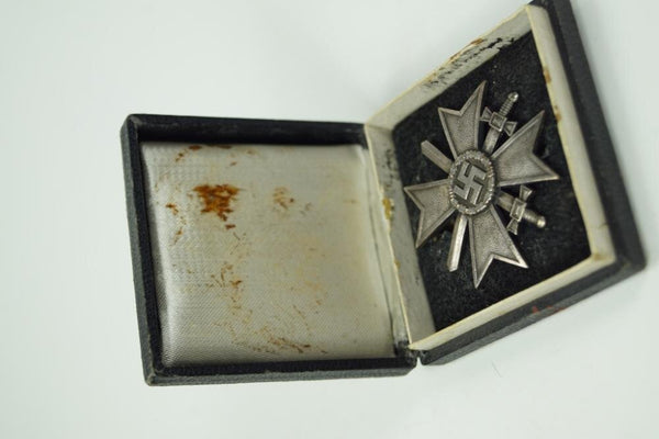 WW2 German Kriegsverdienstkreuz w. Swords in box