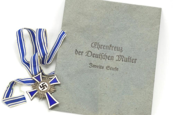 "Mutterkreuz ""Ehrenkreuz der Deutschen Mutter"" in silber with bag. WW2 German"