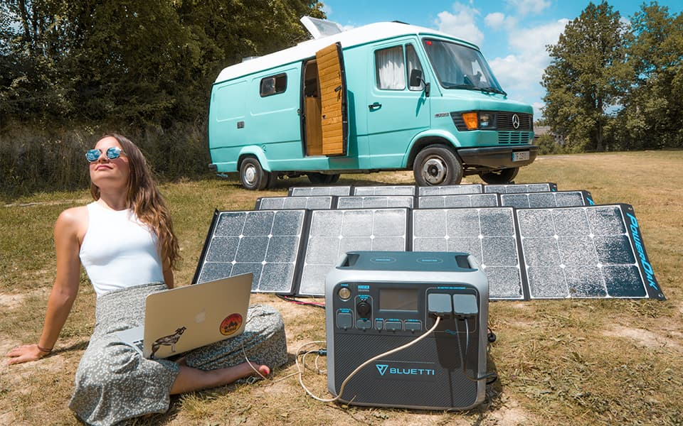 Bluetti_AC200P_Power_Station_charging_in_vanlife