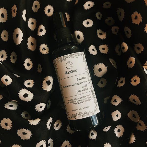 An entrancing compliment to your nightly ritual. Luna pairs a seductive blend of spicy vetiver, cederwood, bergamot, and herbacious blue tansey with actives CBD, CBG, Melatonin, and Magnesium to soothe, replenish, and lull you into a perfect dreamstate. Bonne Nuit.