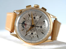 Load image into Gallery viewer, Universal Genève Tri-Compax Triple Calendar Moonphase