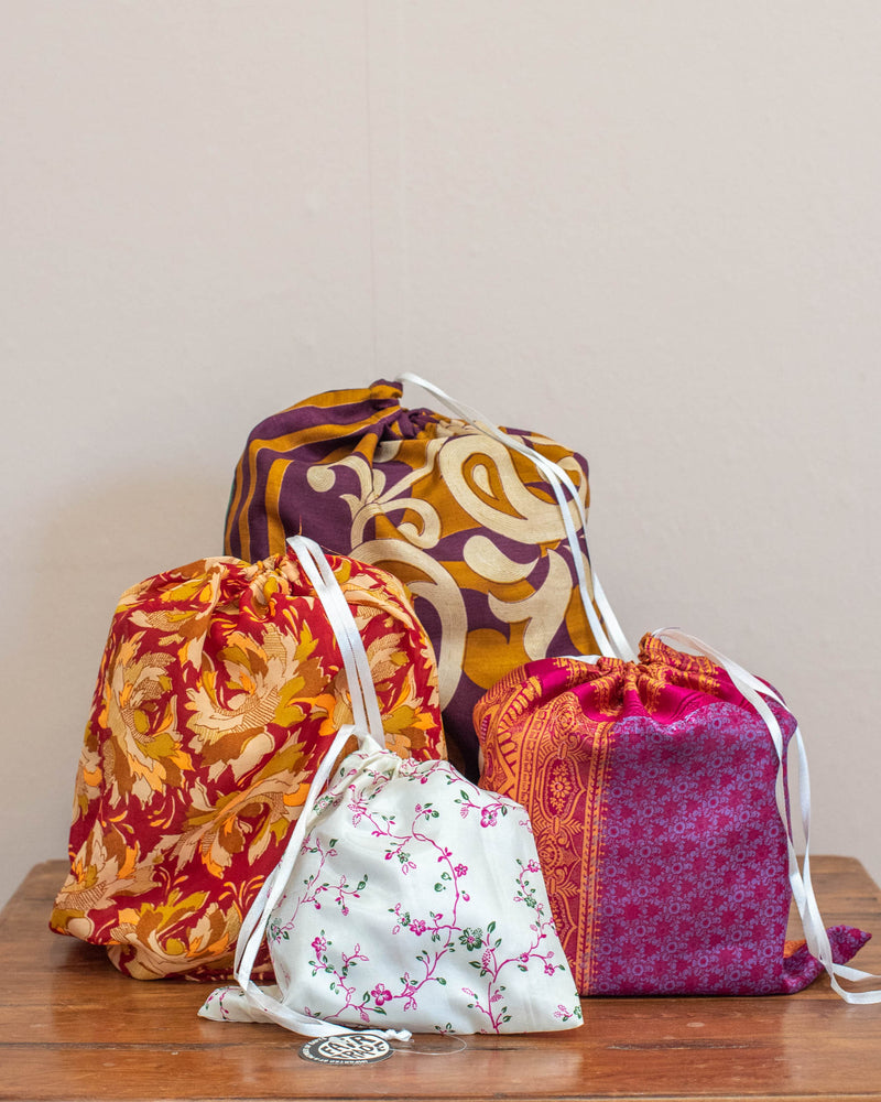 Load image into Gallery viewer, Set of 4 Sari Bags