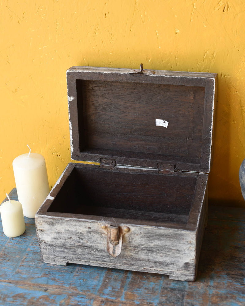 Washed White Wooden chest - 4