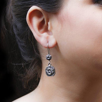 Om Earrings-Zilver Craft