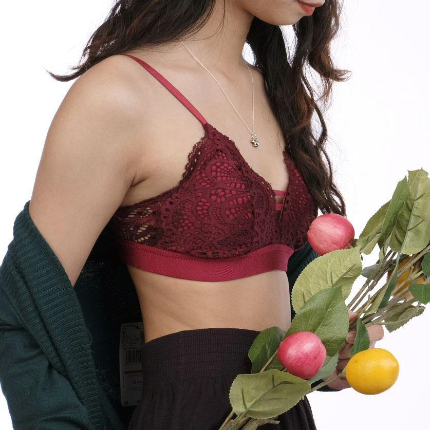 the sweet kisses padded bralette in maroon