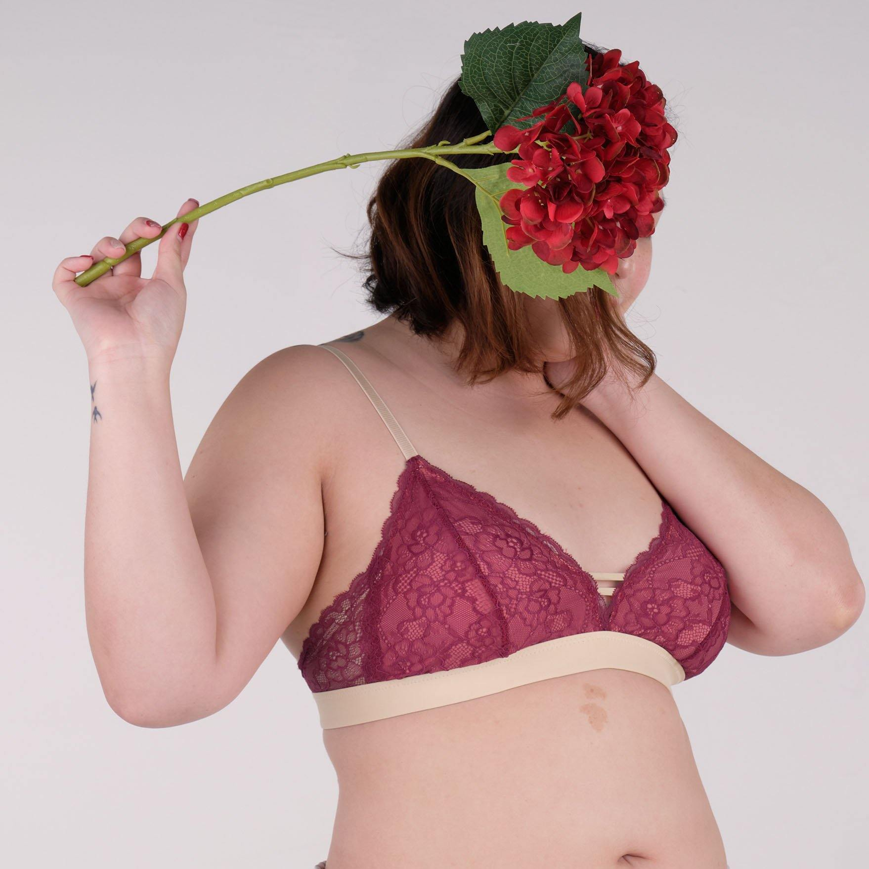the sweet kisses padded bralette in pomegranate