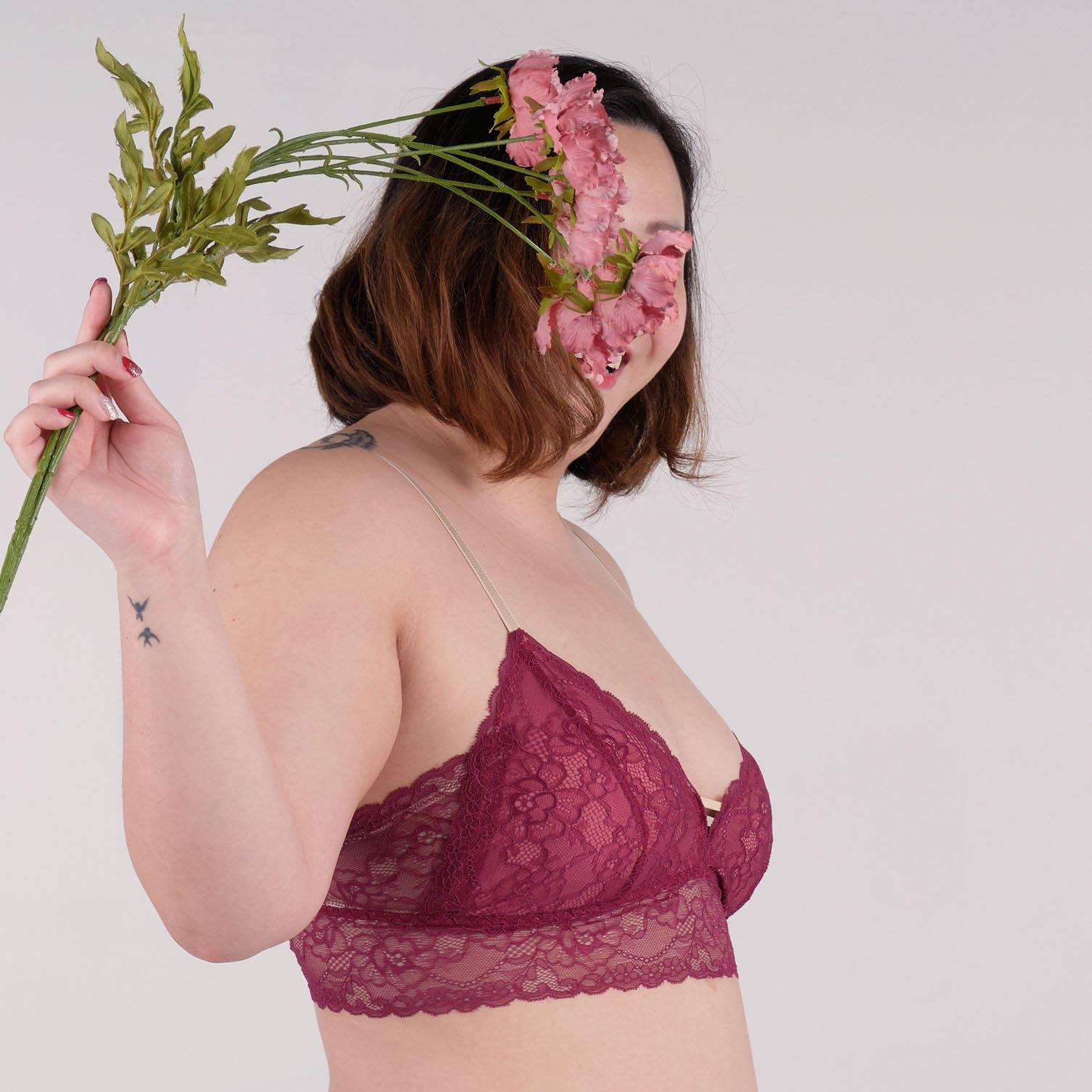 the best wishes padded midi bralette in pomegranate