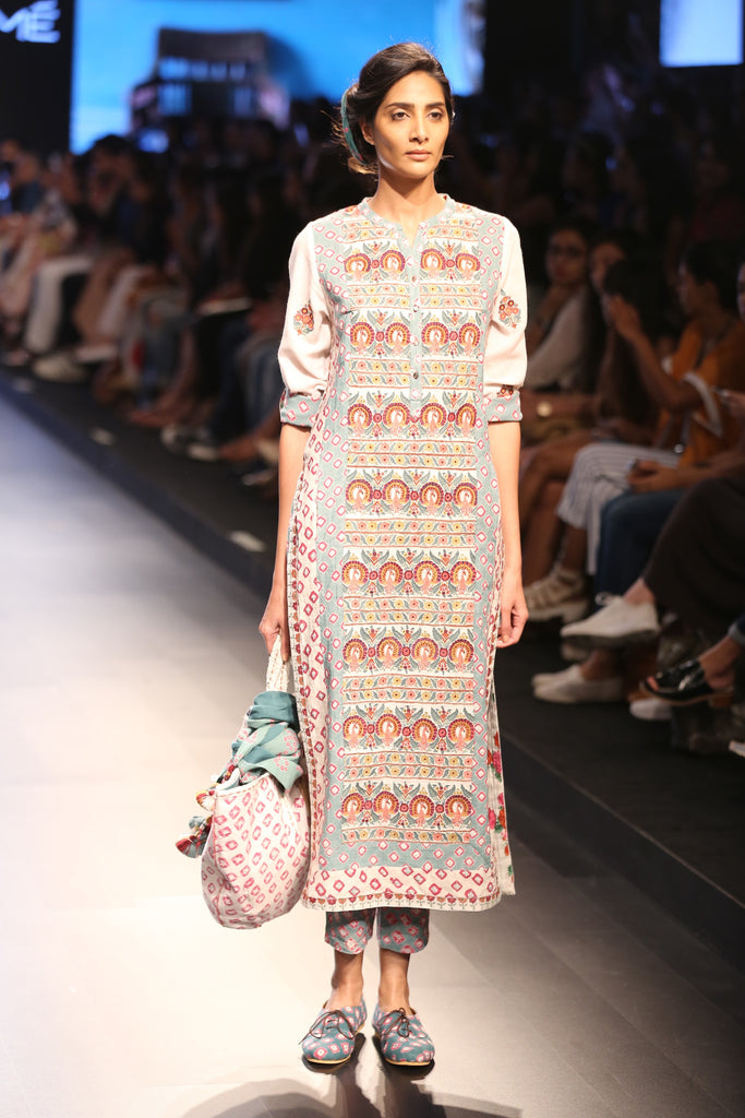 Off-White Straight Embroidered Kurta