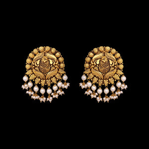 Gold Earring Pair With Pearls
