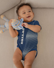 Unisex baby playsuit.