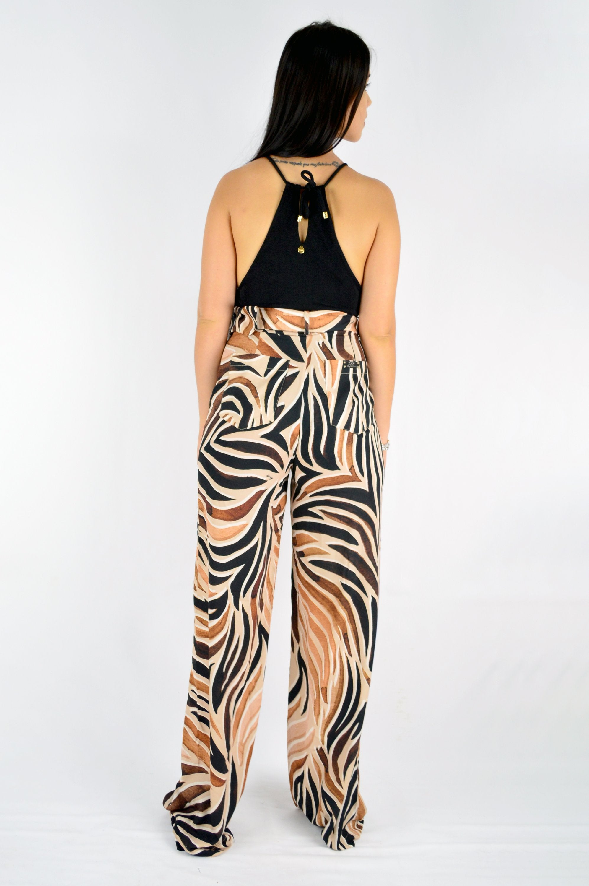 PRINTED WIDE PANTS WITH BELT.