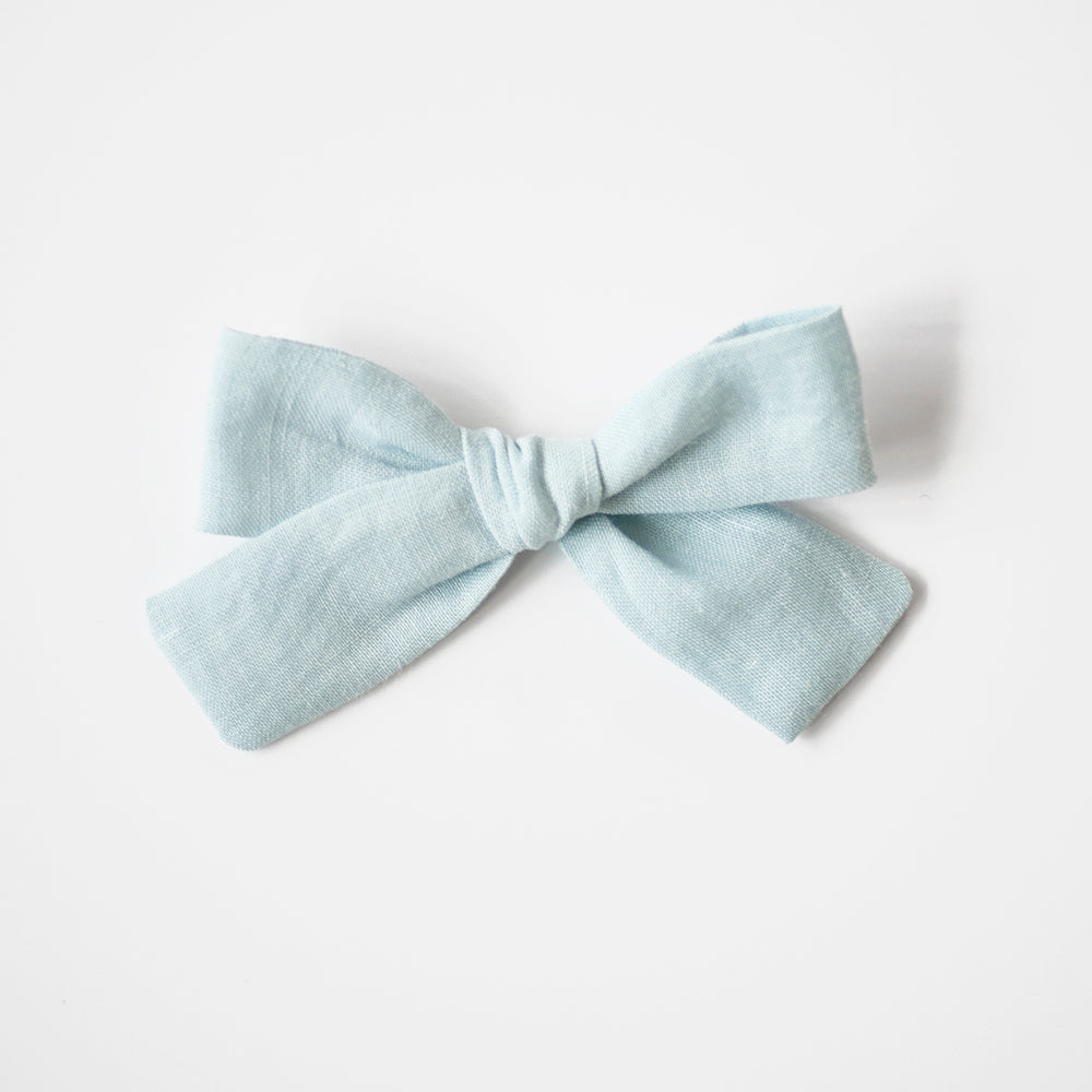 Moonmist | Medium Hand-tied Bow