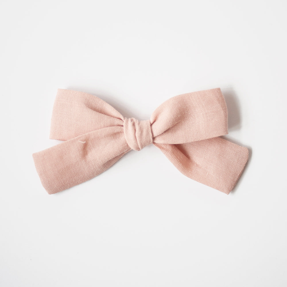 Romance | Medium Hand-tied Bow