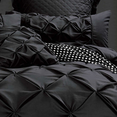 Black Thrill Quilt Cover