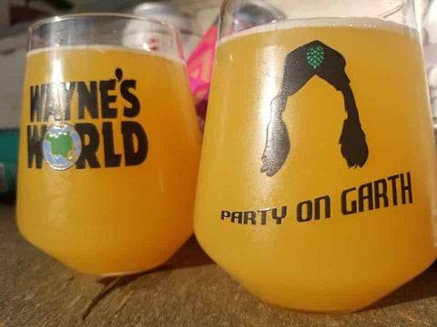 Waynes World - Party On Glass Set