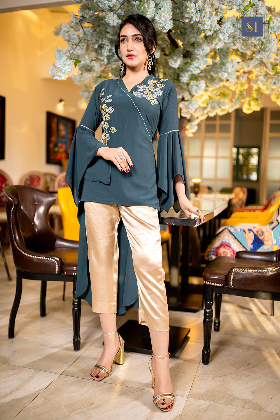 Cross Neck A-Line Kurti Comes with pant